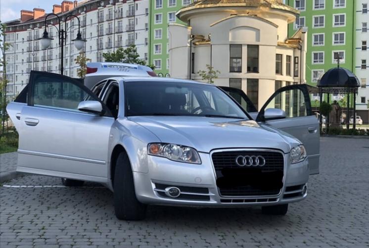 Audi A4 2004г           шепоче