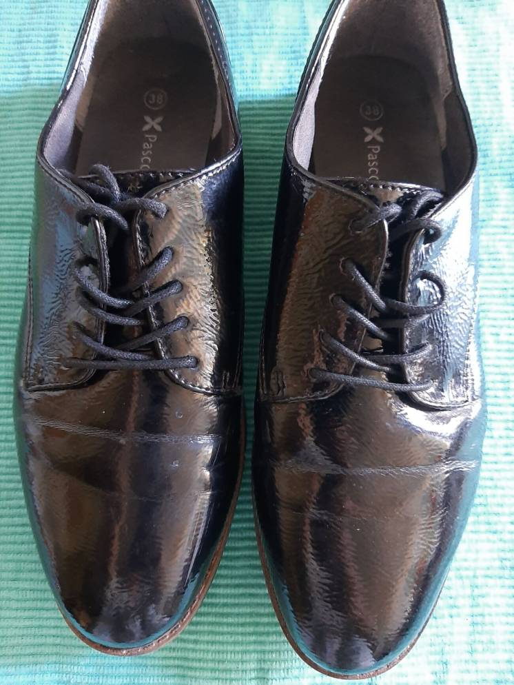 Туфли лаковые женские 38 р.