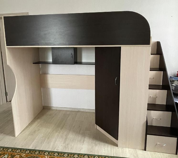 Мебельный комплекс в детскую