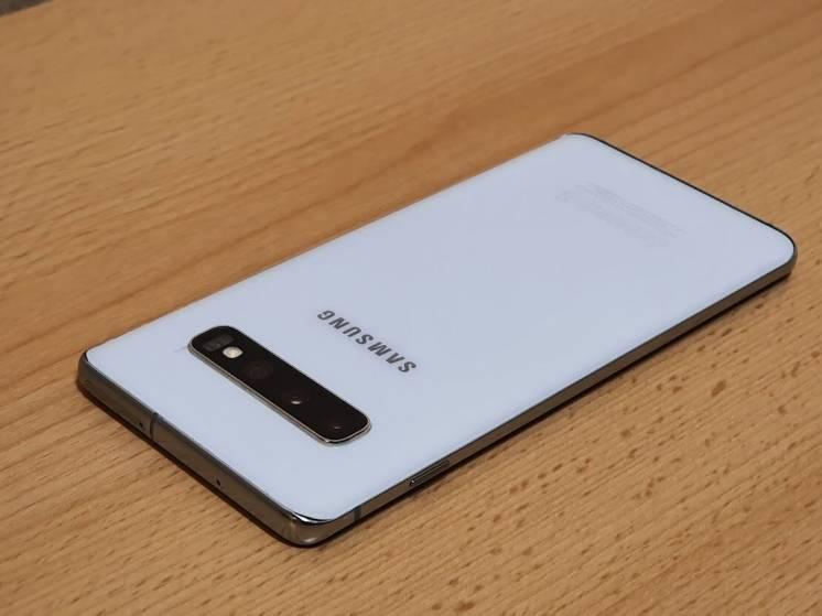 Samsung Galaxy S10 8/128 GB Duos White В идеальном состоянии.