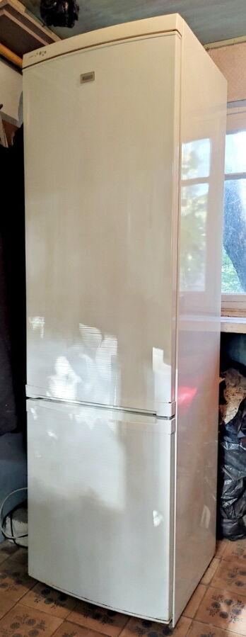 Продам двухкамерный холодильник ZANUSSI ZRB 940 PW под восстановление