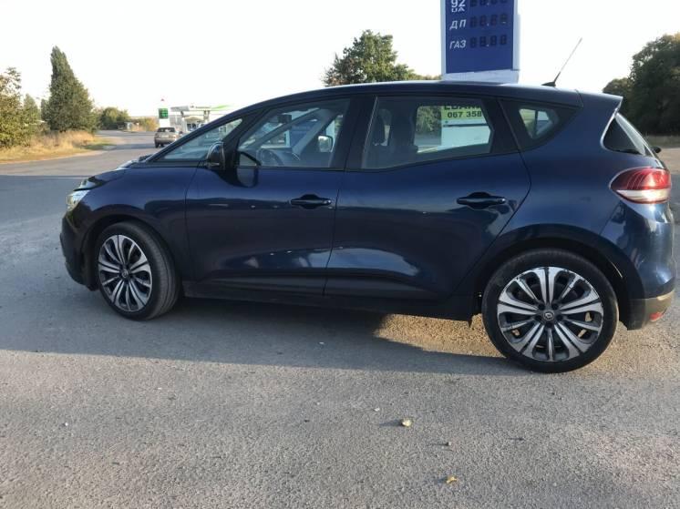 Renault Scenic 2017 продам