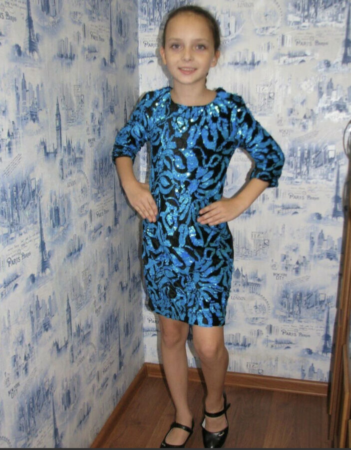 Платье нарядное на девочку