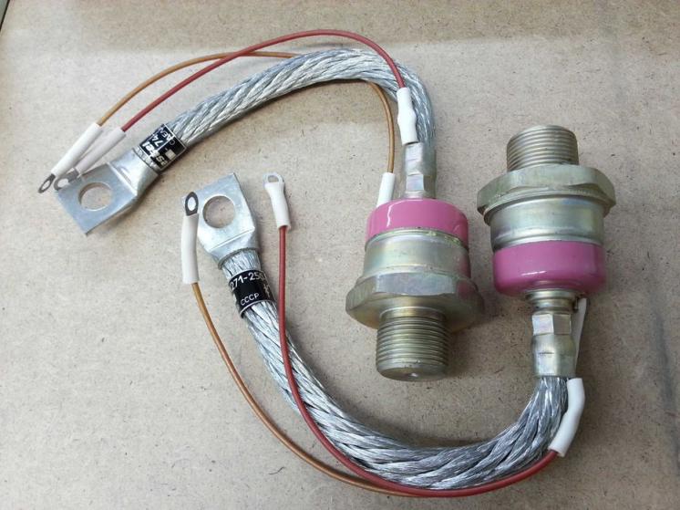 Тиристор ТЛ271-250-10 мощный силовой