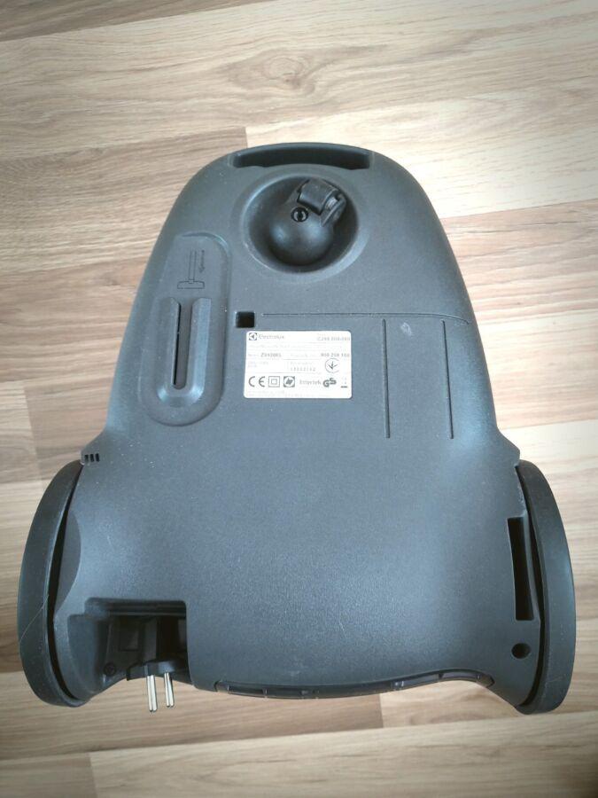 Продам пылесос Elektrolux Z9930 EL б/у