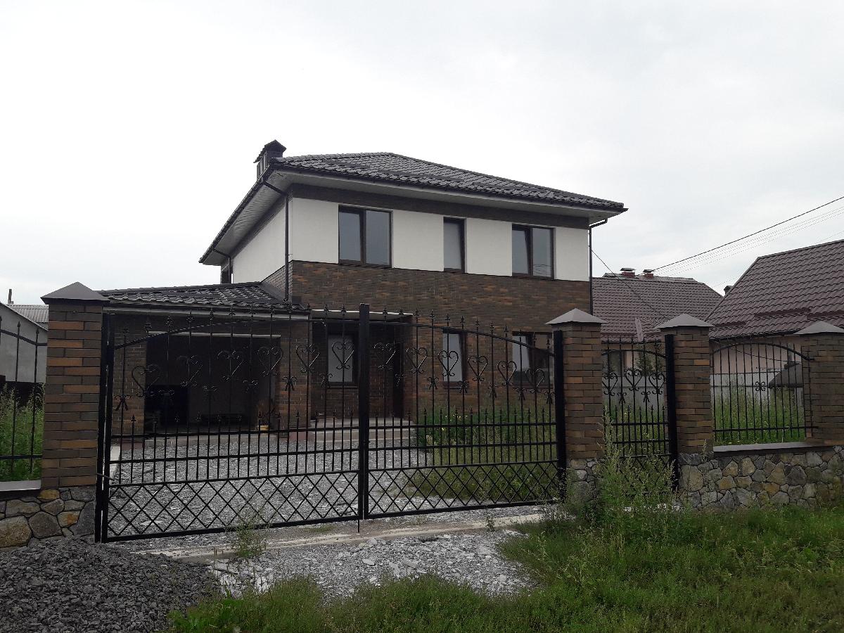 Продаж сучасного будинку у Вінниці