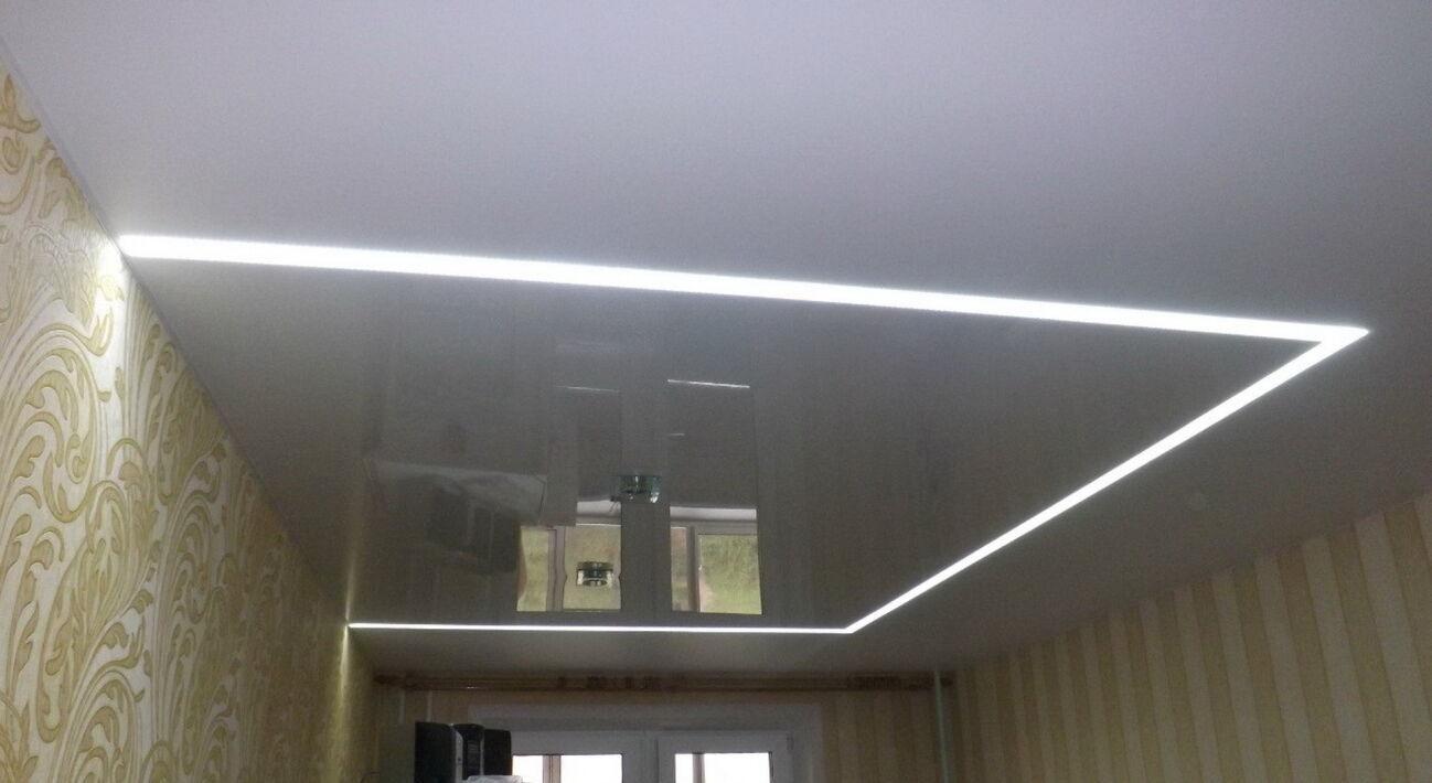 Світлові лінії на натяжній стелі