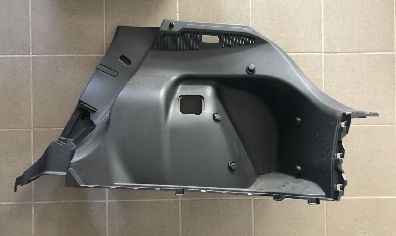 Панель накладка багажника правая Nissan Leaf 2018-2019 84950-5SA0B