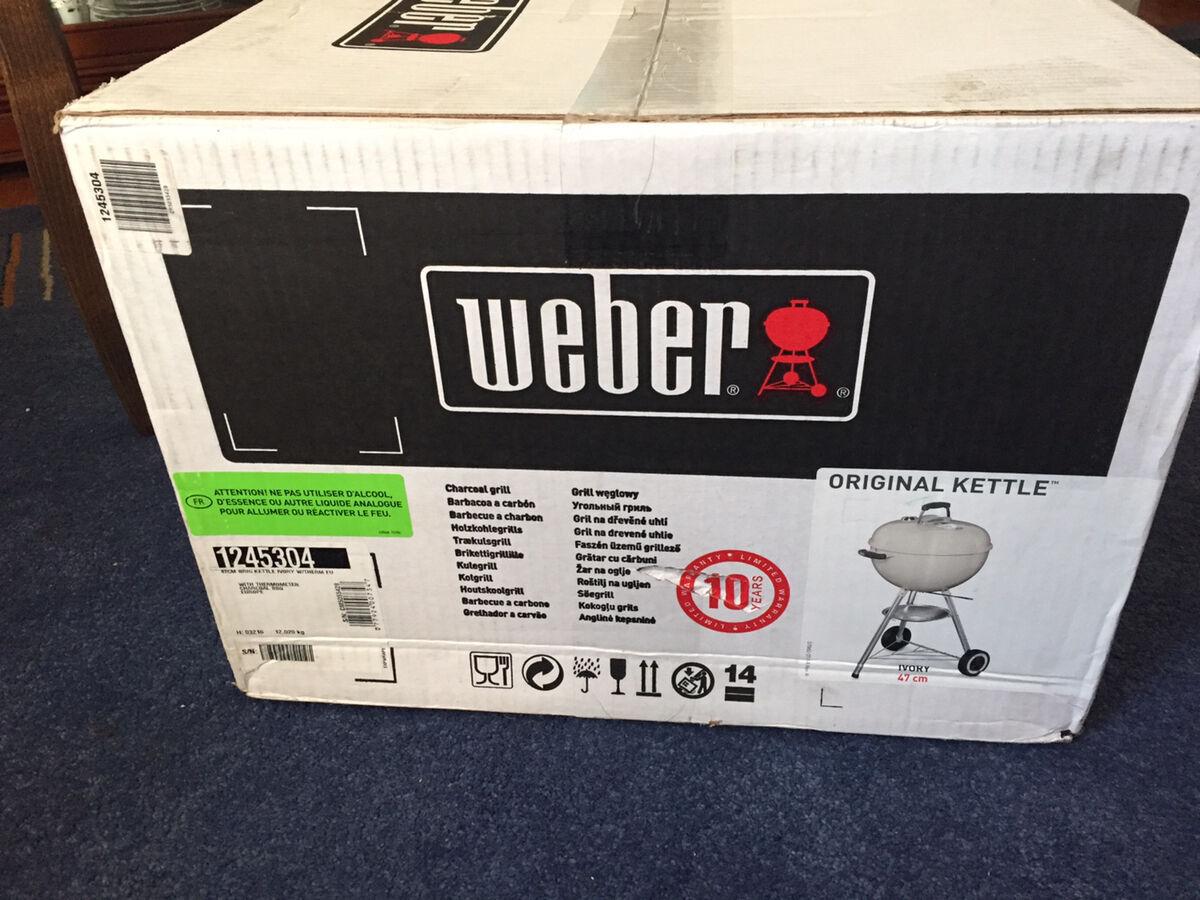 Угольный гриль Weber
