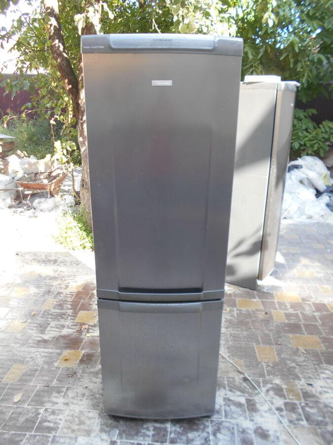Енергозберігаючий холодильник Electrolux,no Frost,нержавійка фасад