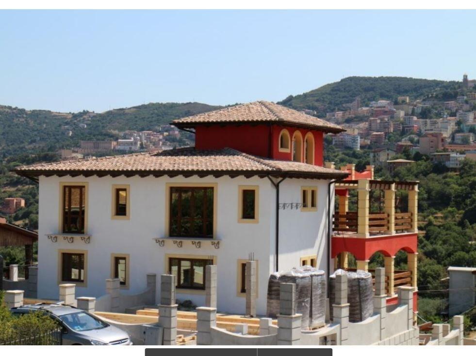 Продается вилла 1150 м.кв ,город Ланузей,остров Сардиния,Италия