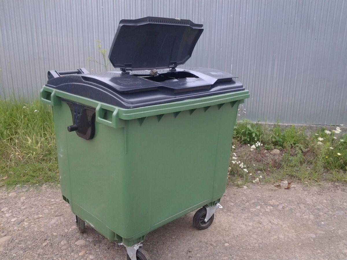 Баки для мусора и отходов