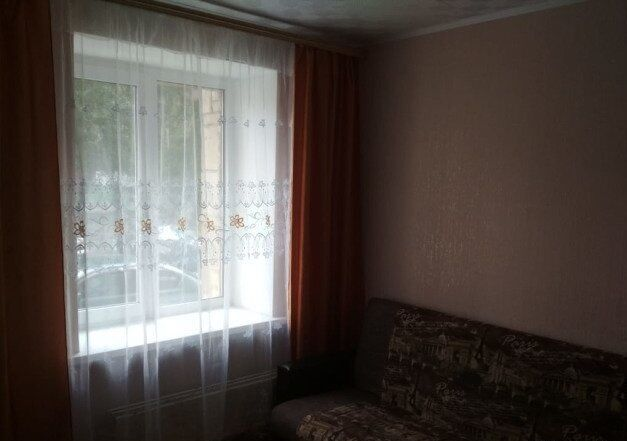 Сдам комнату девушке пр-т Курский