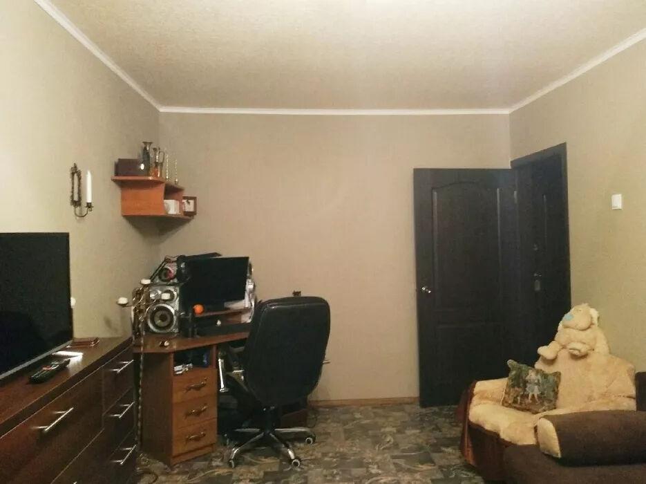 Продам 1-комнатную квартиру Восток,кв Дзержинского