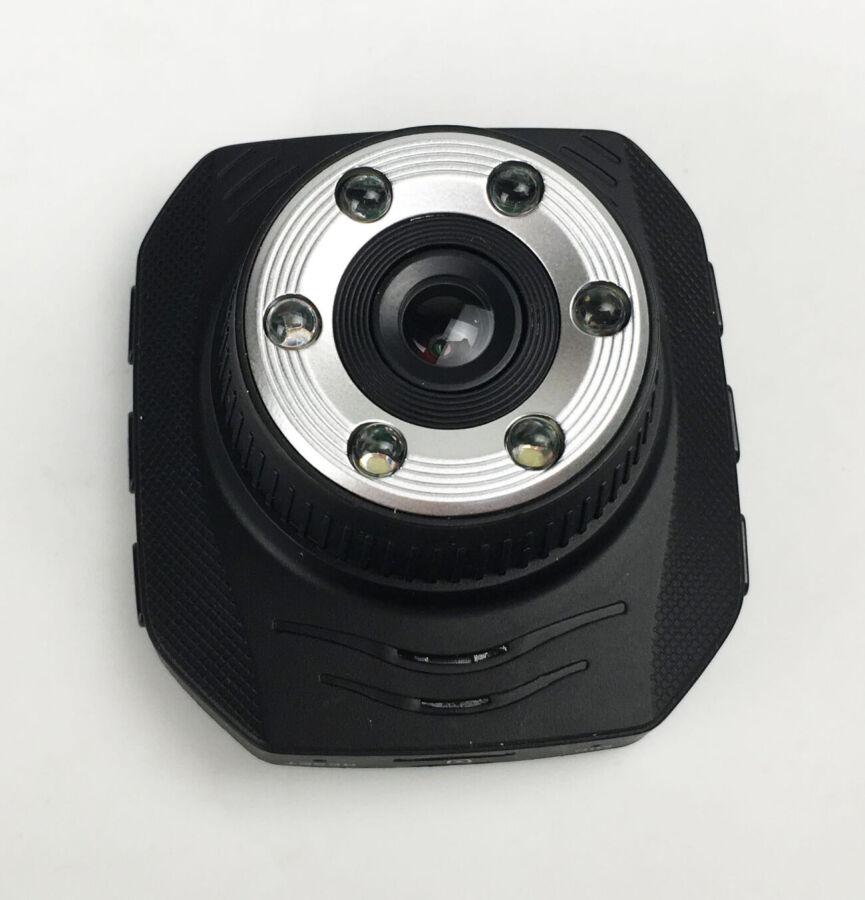 Видеорегистратор в авто Dvr-338 черный