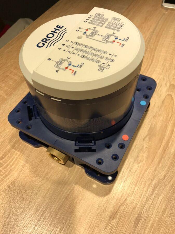 Продам душевую систему скрытого монтажа Grohe Smart Control