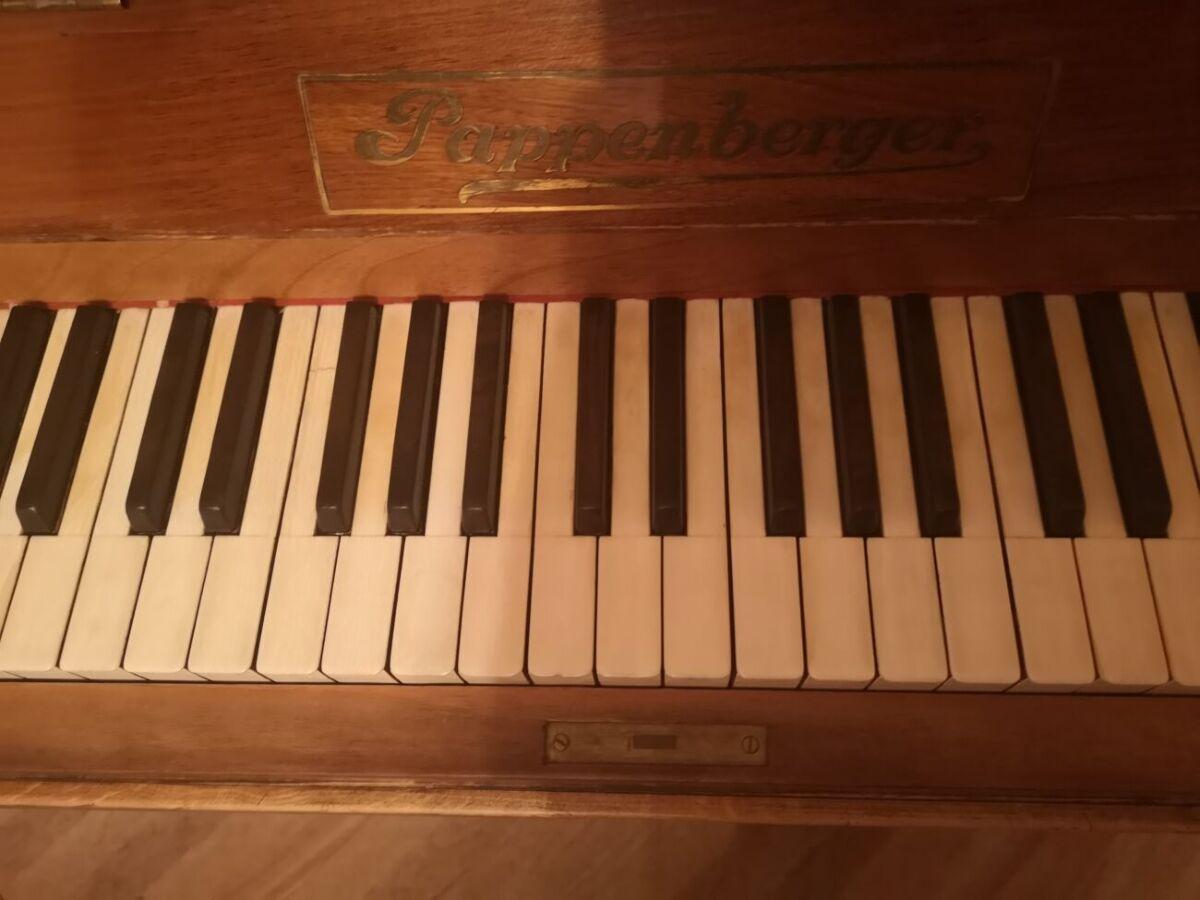 Продаю немецкое антикварное пианино Pappenberger