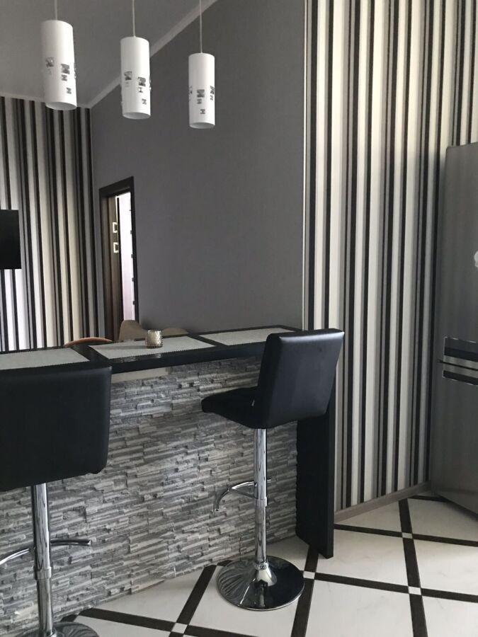 Продам отличную двухкомнатную квартиру в новострое ЖК