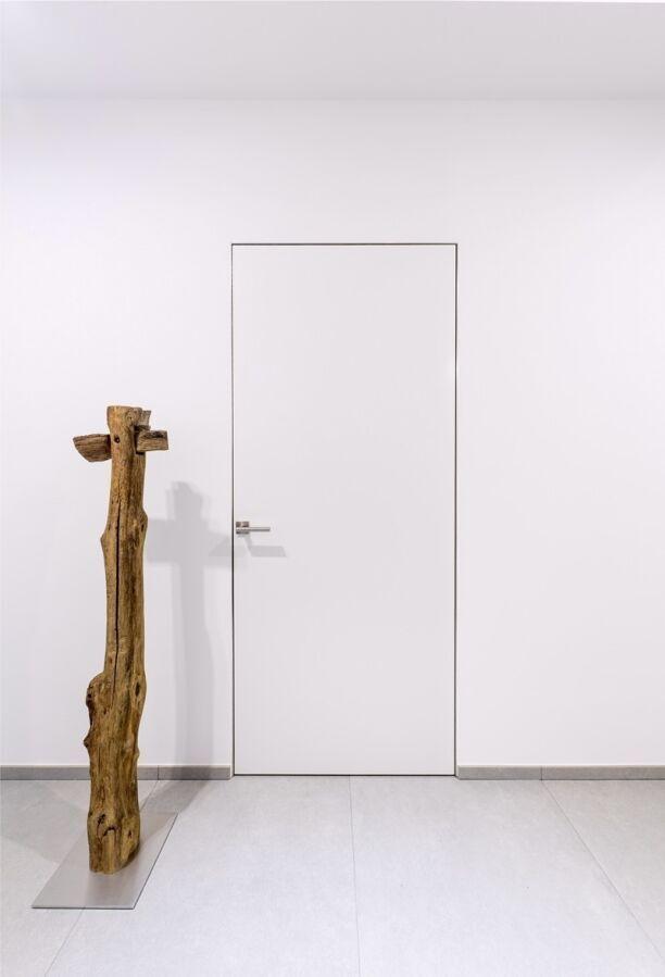 Межкомнатные двери скрытого монтажа от производителя.