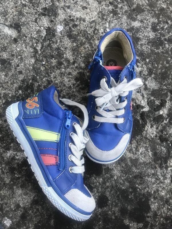 Модные кроссовки для мальчика