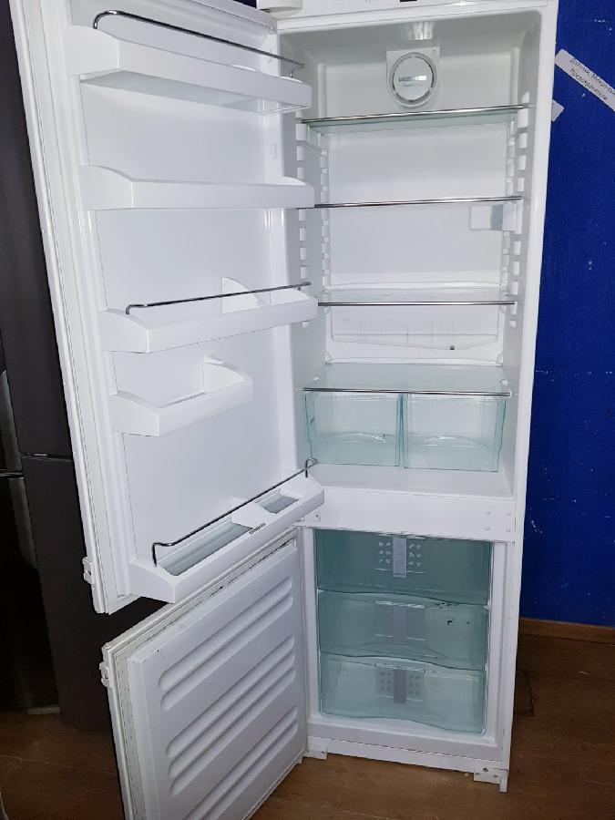 Холодильник LIEBHERR, No Frost з Німеччини (175/55/55)