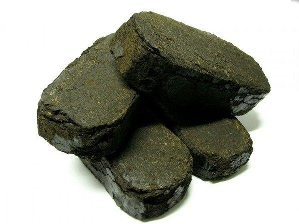 Реализуем торфяные брикеты-экономичное и эффективное топливо.