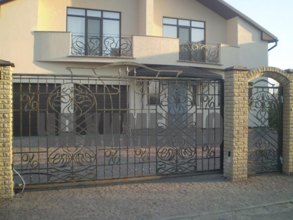 Кованные ворота, калитки, ограждения и заборы купить в Харькове