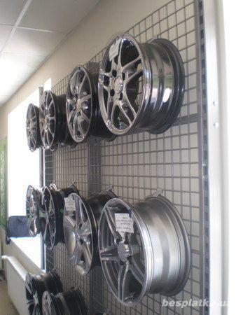 Фото 3 - Торговые стеллажи для автомагазинов