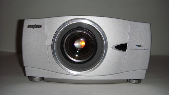 Проектор мультимедийный SANYO PLC-XP41,3LCD,1024x768,3300 lm