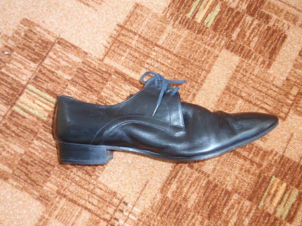 Продам мужские кожаные черные туфли  Aaltonen