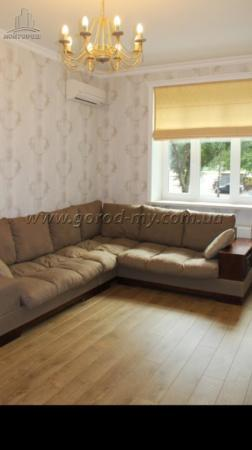 Продам 3-к. квартиру 85 кв.м. с ремонтом в центре Днепропетровска.