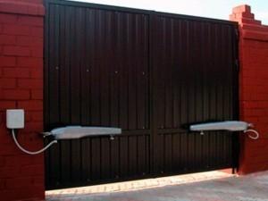 Фото - Автоматика для распашных, откатных, секционных ворот, защитных роллет