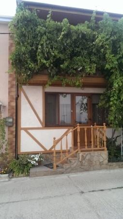 Продам дом в Совиньоне, первая линия от моря
