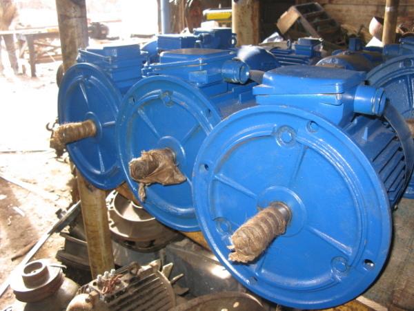 Фото - Электродвигатели АИР112МВ6 У3 4 кВт 1000 об/мин.