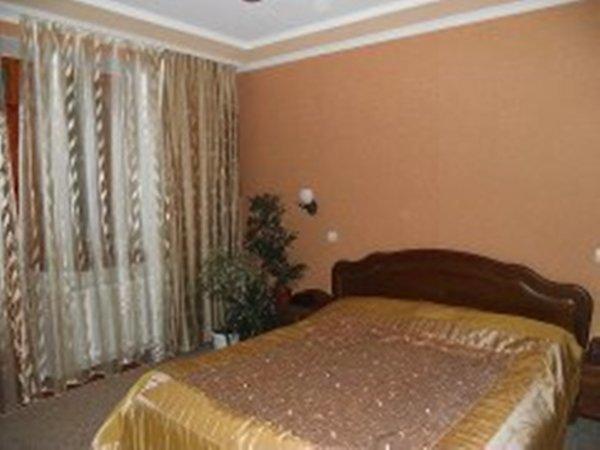 посуточно двух-комнатная квартира на проспекте Ленина