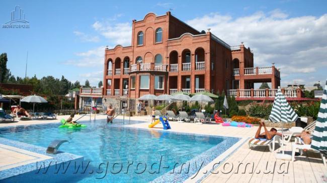 Фото - Продам бизнес - отель 1250 кв.м. в Бердянске.