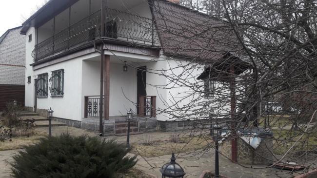 Красивая дача-дом для комфортной жизни в санаторно-курортной зоне