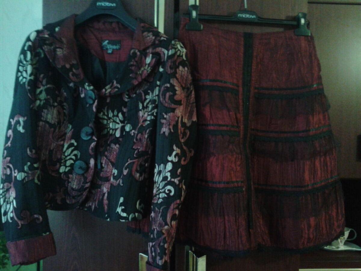 Снижена цена! Продам оригинальный молодежный костюм юбка пиджак р.44-4