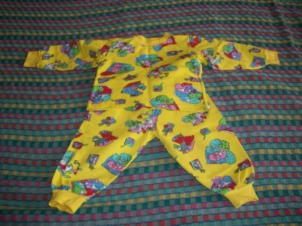 продаю детскую пижамку