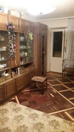 Продам трехкомнатную квартиру на Январском прорыве
