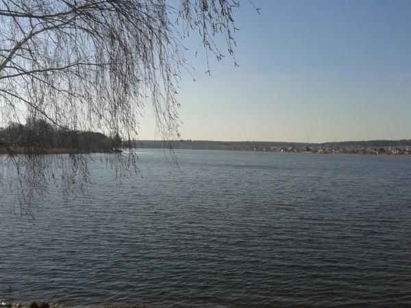 Фото - Дом у озера ,Бучанское  водохранилище.