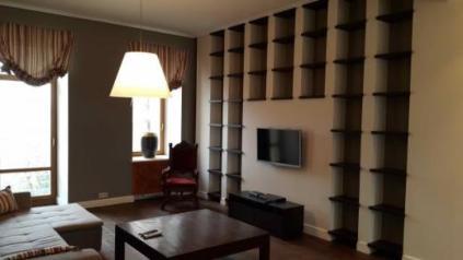 Продам элитную  3 комнатную квартиру в центре
