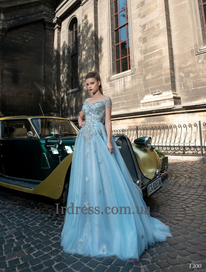 e44044fd5ce Выпускные вечерние платья купить с примеркой.