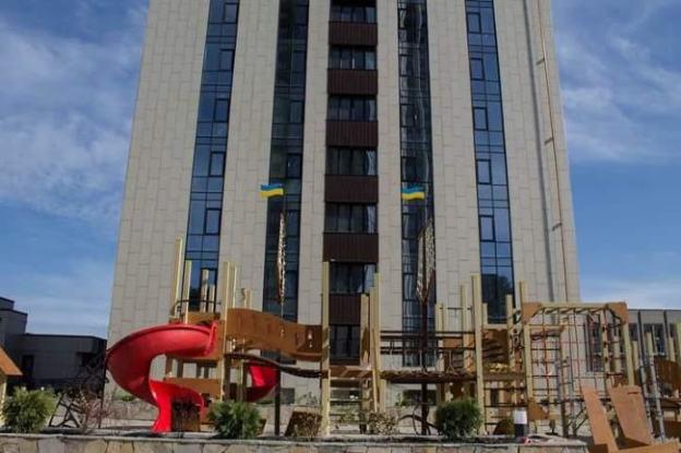 """2-х комнатная квартира в ЖК """"Панорама"""" в центре"""