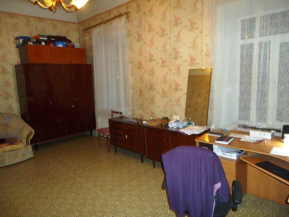 Продается 3х-комн. Квартира с раздельными комнатами в центре