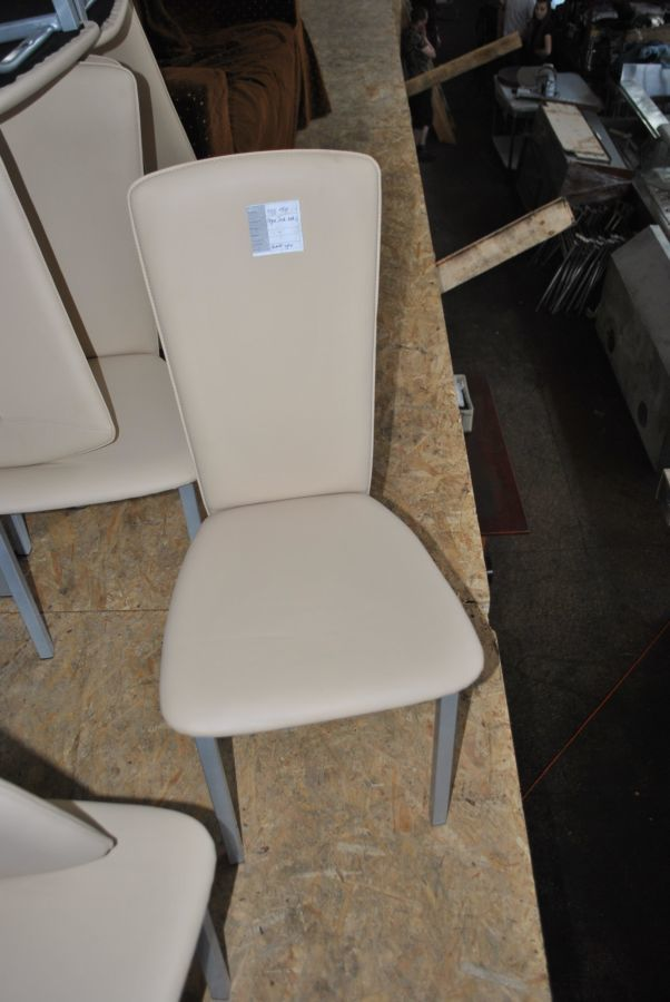 Фото 2 - Стулья бу для ресторана и кафе из качественного кожзама