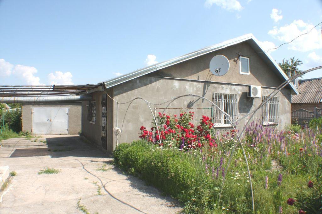 Уютный дом с капитальным ремонтом в пгт. Михайловка