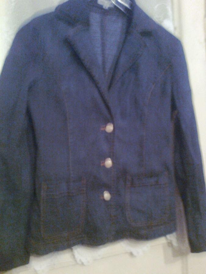 Фото - Джинсовый пиджак с карманами  хорошего качества