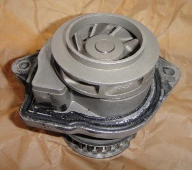 Фото 2 - Водяная помпа на Skoda Fabia, VW, Audi, Seat.