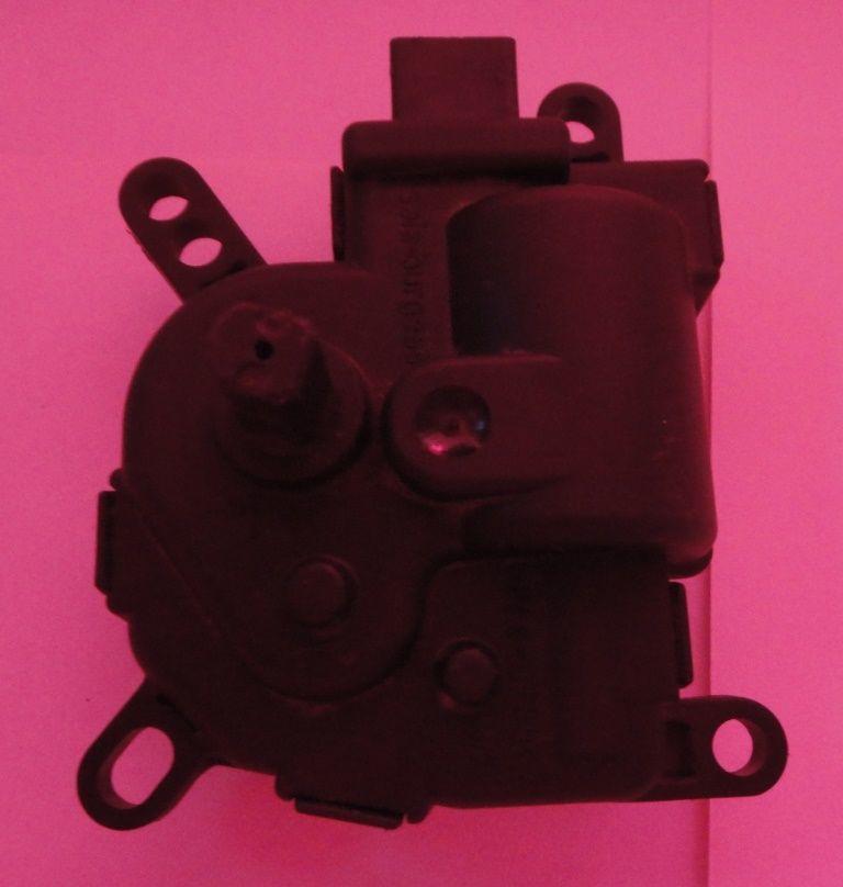 Фото 2 - Мотор заслонки печки на Ford Focus/Fusion/C-max